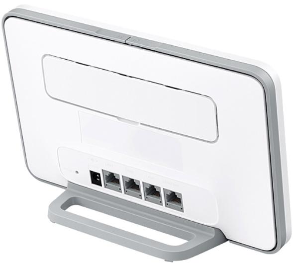 B535 4G Router 3 Pro von hinten