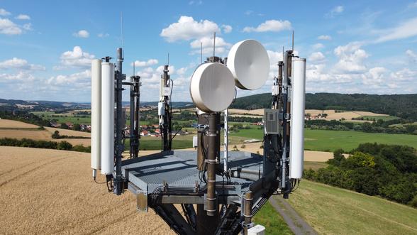 Vodafone Mast auf dem Land